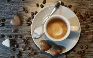 Fusami treściowane (5): Kawa i Miłość